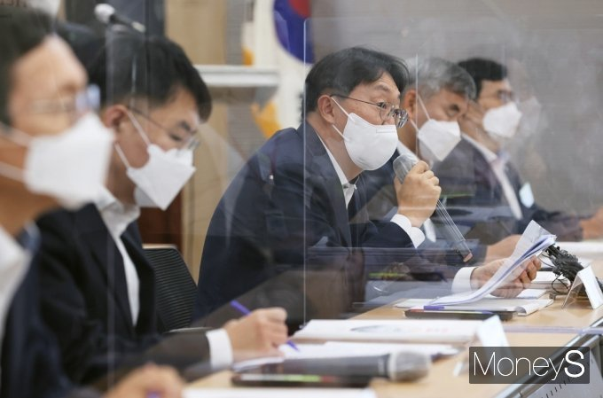 [머니S포토] 與 LH서울본부 방문, 인사말 전하는 김현준 사장