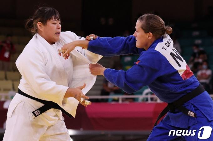 유도 여자 최중량급 간판 한미진이 도쿄 올림픽 패자부활전에서 패했다. © AFP=뉴스1