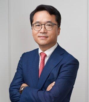 bhc 아웃백 품고 기업 공개 전 몸집 불리기 '시동'