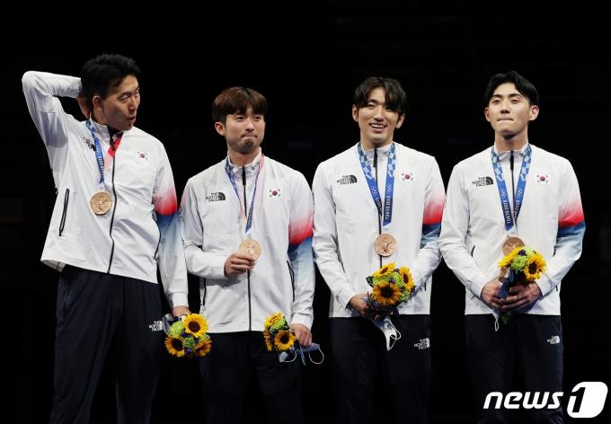 [사진] 자랑스러운 펜싱 대표팀