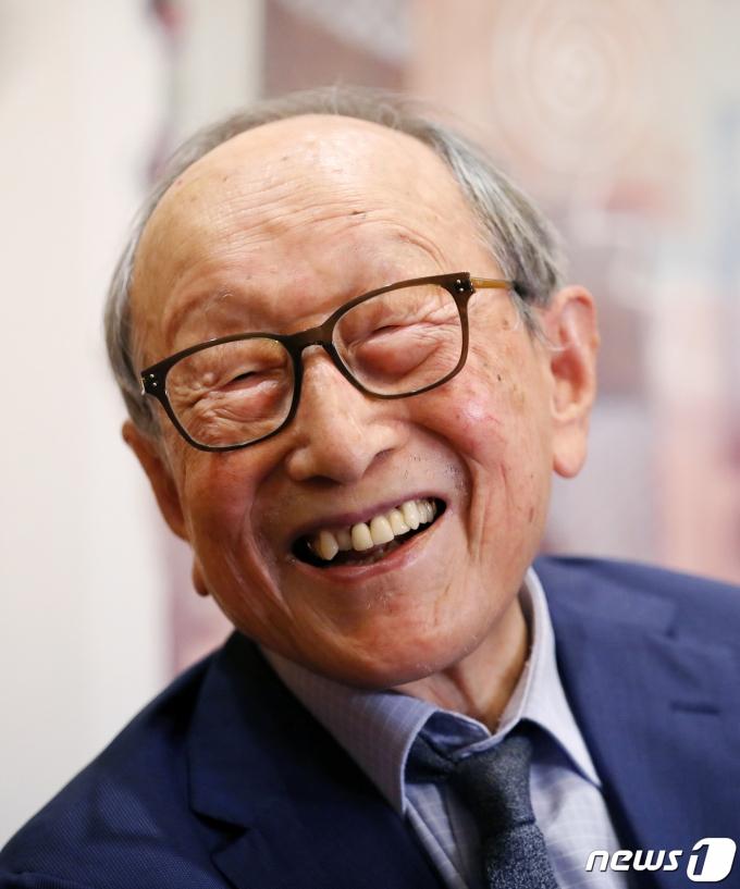 김 교수는 100년의 인생 가운데