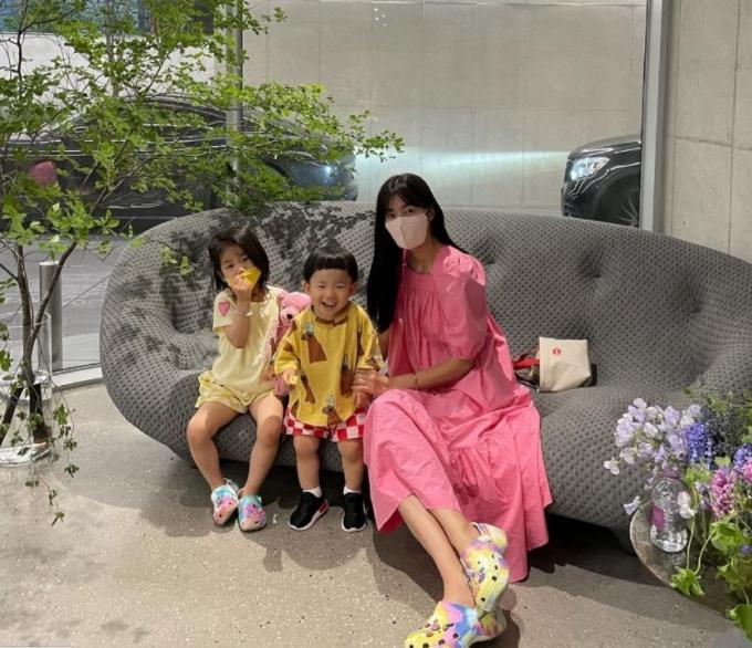 1일 밤 10시 40분 방송되는 MBC '구해줘! 홈즈'에서 배우 김성은과 가수 딘딘이 출연한다. /사진= 김성은 공식 인스타그램 갈무리