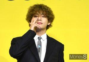 '아이돌의 교과서' 된 방탄소년단 뷔, 일본서 더 난리