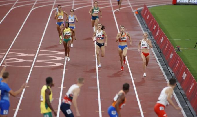 지정된 배턴 터치 구역을 벗어나 실격 처리됐던 미국 혼성 1600m 계주 대표팀이 재심을 거쳐 결선행 티켓을 거머쥐었다. /사진=로이터