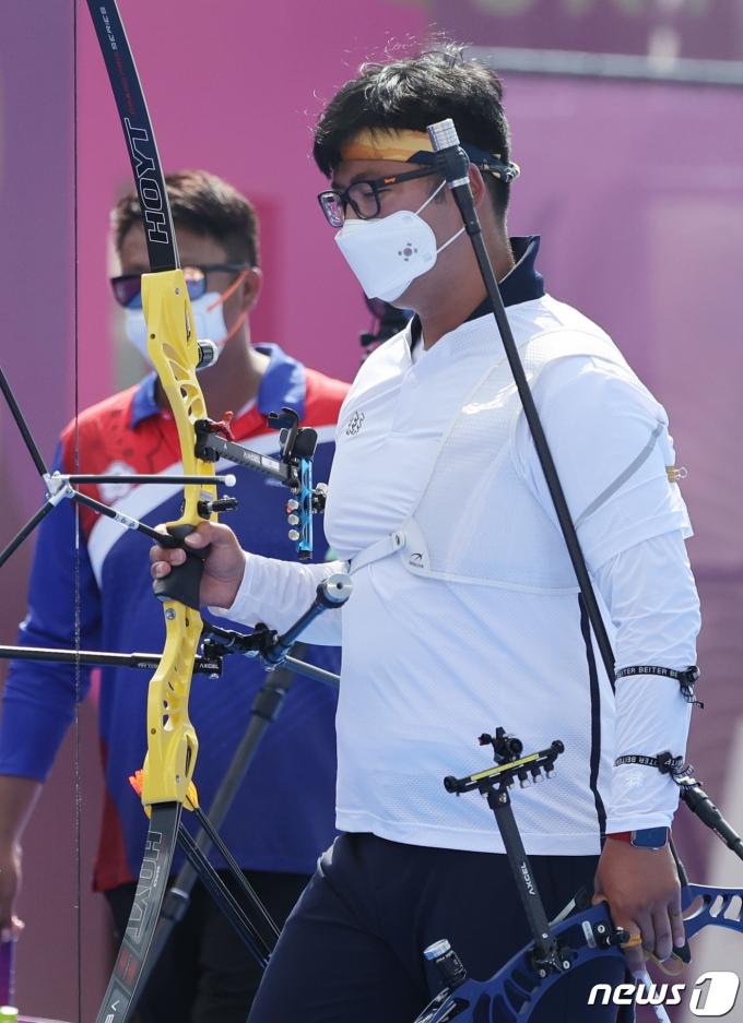 [사진] 양궁 김우진 '아쉬운 패배'
