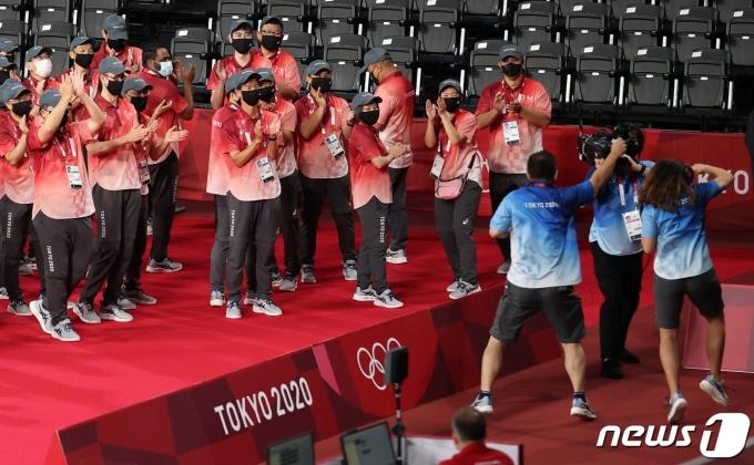[사진] 율동으로 몸푸는 올림픽