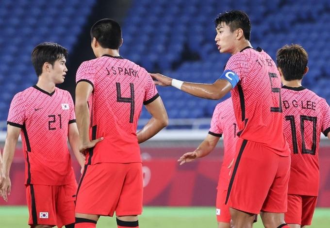 '무너진 수비' 한국 축구, 멕시코에 3-6 대패… 4강행 좌절