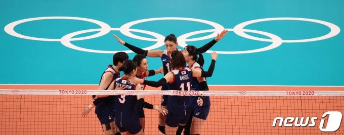 [사진] 대한민국 여자 배구 '올림픽 승리를 위해'