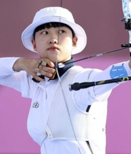 도쿄올림픽 양궁 3관왕 안산(20·광주여대) 선수를 둘러싼 '페미니즘 논란'과 관련 정치권 내 공방이 치열하다. /사진=뉴시스