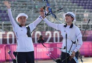 [도쿄 이모저모] 김제덕·안산 합작한 '로빈훗 화살'… IOC 박물관에 전시