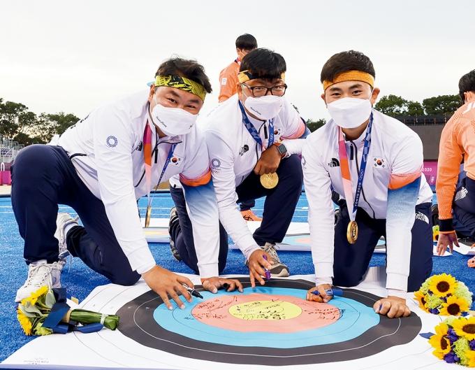 7월26일 일본 도쿄 유메노시마 공원 양궁장에서 남자 양궁 선수들의 모습. /사진=뉴시스 DB