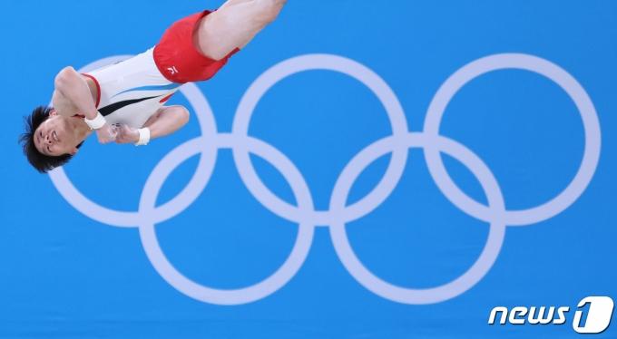 [사진] 김한솔 '높게 더 높게'