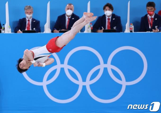[사진] 김한솔 '높이 더 높이'