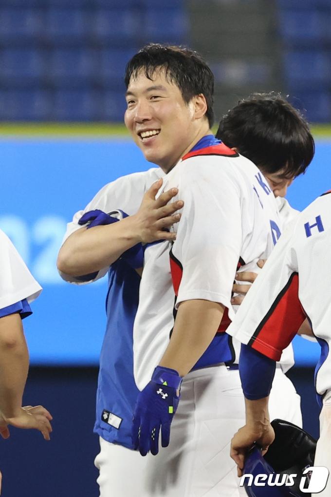 [사진] 김현수 '승리의 미소'