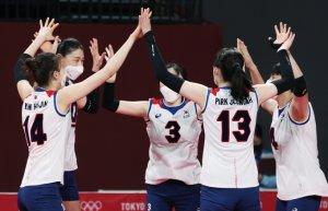 女배구, 세르비아에 0-3 패배… 조3위로 8강행