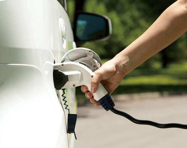 LG에너지솔루션이 상반기 글로벌 전기승용차에 탑재된 배터리 사용량 2위를 차지했다. /사진=이미지투데이