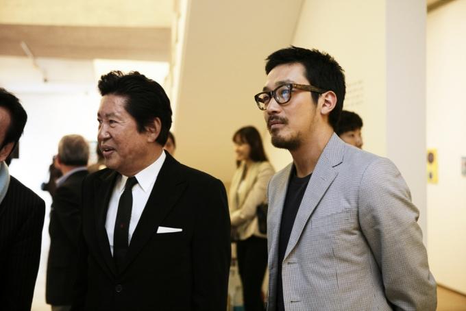 김용건이 39세 연하 여자친구와 혼전임신 스캔들에 휘말린 가운데 아들 하정우의 의미심장한 과거 발언이 주목받고 있다. /사진=뉴시스
