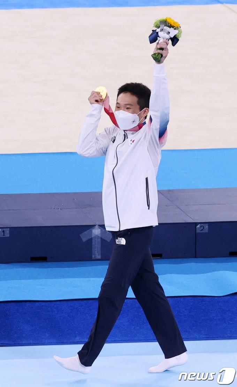[사진] 신재환 '금빛 걸음'