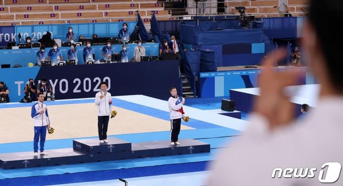 [사진] 9년 만의 금메달, 박수 보내는 양학선
