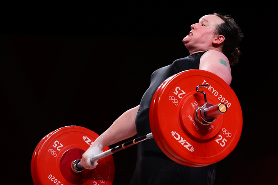 올림픽 역사상 최초의 성전환 선수로 대회에 참가한 뉴질랜드 로럴 허버드(43·뉴질랜드)가 2020도쿄올림픽 메달 획득에 실패했다. /사진=로이터