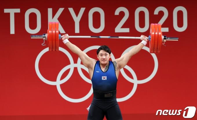 [사진] 진윤성 '180kg 번쩍'