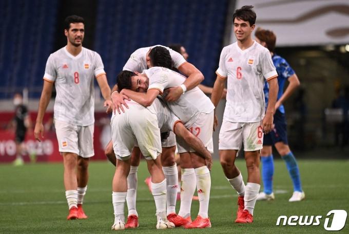 스페인이 일본을 꺾고 도쿄 올림픽 축구 결승에 올랐다. © AFP=뉴스1
