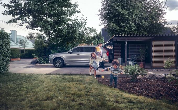 도로 안전을 추구하는 볼보자동차코리아가 지구의 안전을 위한 '리차지(Re:Charge) 캠페인'을 진행한다. /사진=볼보자동차코리아