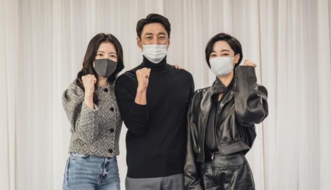 윤세아·지진희·김혜은이 드라마 '더 로드: 1의 비극'으로 돌아온다. /사진=tvN 제공