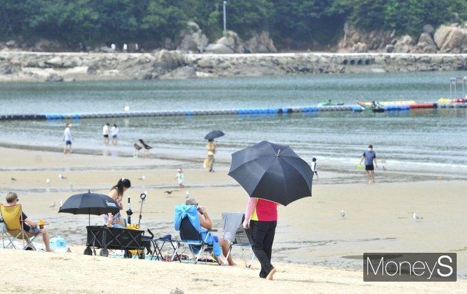 [머니S포토] '해수욕장 파라솔·텐트 치지마세요'