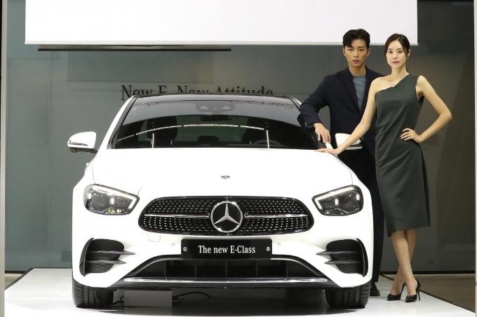 지난달 국내 수입차 가운데 메르세데스-벤츠 E250이 가장 많이 팔린 것으로 조사됐다. 사진은 더 뉴 메르세데스-벤츠 E 클래스. /사진=뉴스1