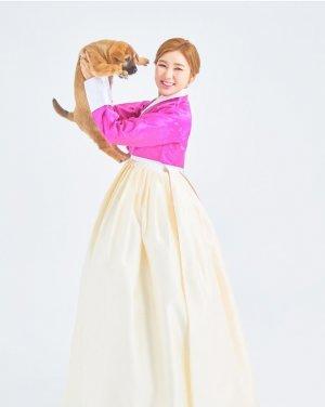 '진도의 딸' 송가인, 분홍빛 한복 입고 상큼美 발산