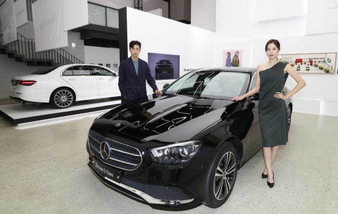 메르세데스-벤츠 E250이 지난달 국내에서 가장 많이 팔린 수입차로 조사됐다. 사진은 더 뉴 메르세데스-벤츠 E 클래스. /사진=뉴시스