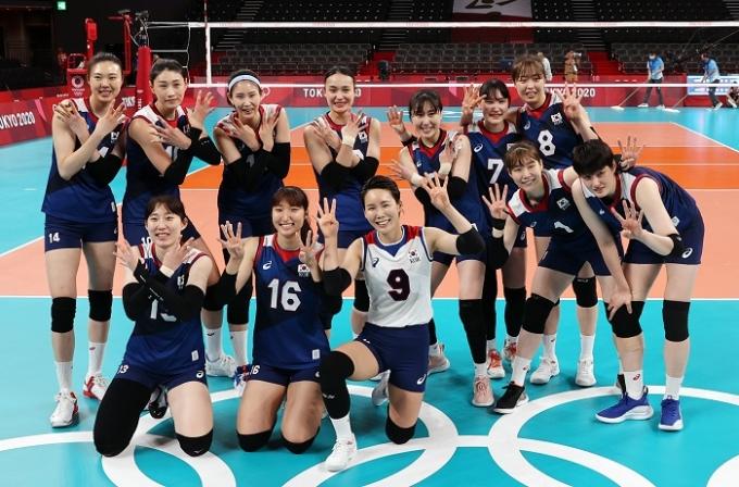 한국 여자배구 대표팀이 지난 4일에 열린 터키와의 8강전에서 승리해 2020도쿄올림픽 4강에 진출했다. /사진=뉴스1