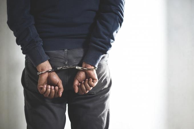 5일 인천 한 도로에 쓰러져 있는 오토바이 운전자를 치고 지나가 숨지게 한 50대가 경찰에 검거됐다. 사진은 기사내용과 무관함. /사진=이미지투데이