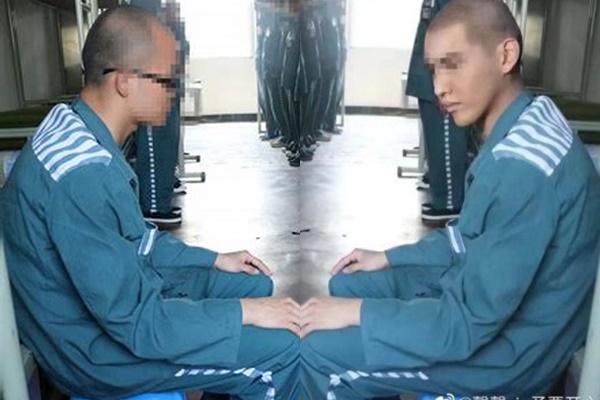 그룹 엑소의 전 멤버 크리스(중국명 우이판) 구치소 수감 사진 합성 의혹이 제기됐다. 사진은 원본 사진(왼쪽)과 합성 의혹이 제기된 크리스 사진. /사진=온라인커뮤니티