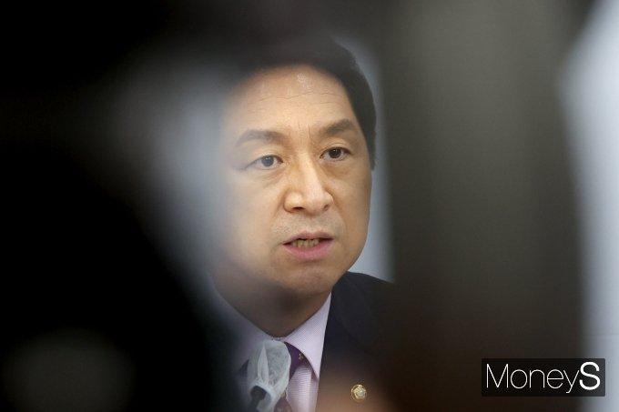 [머니S포토] 소회 밝히는 김기현 원내대표