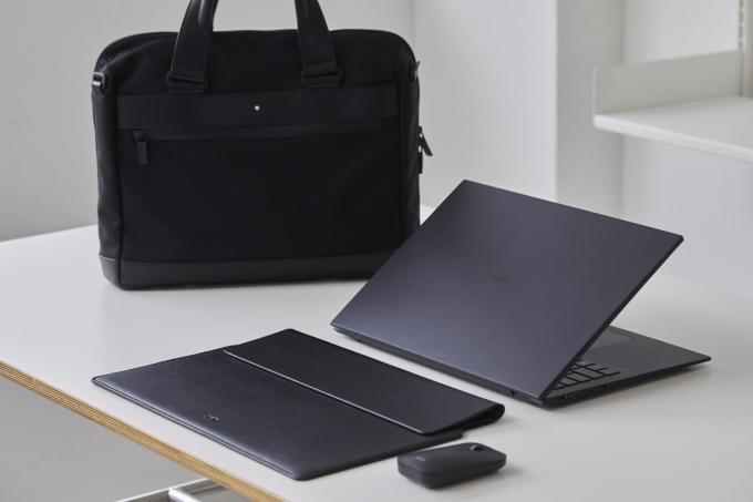 LG전자가 초경량 노트북 브랜드 LG그램(gram)의 한정판 제품 'LG 그램 블랙 라벨(Black label)'을 출시한다. /사진제공=LG전자