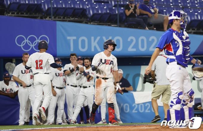 [사진] 미국 4회말 솔로 홈런