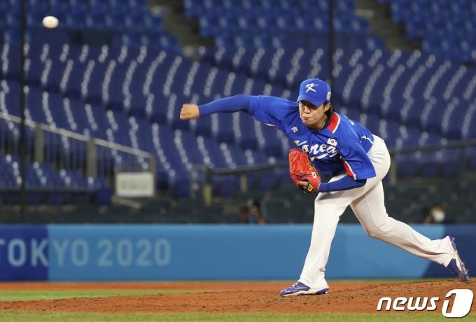 [사진] 대한민국, 6회말 세번째 투수 교체