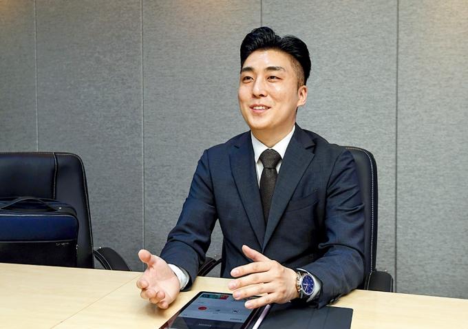"""김주수 마그노인터내셔널 대표는 지난달 15일 머니S와의 인터뷰에서 """"전 세계에 경쟁력 있는 한국 제품을 알리면서 현지인들이 쉽고 빠르게 구매할 수 있는 구매 환경을 구축하는 것이 플랫폼의 목적""""이라고 밝혔다. /사진=장동규 기자"""