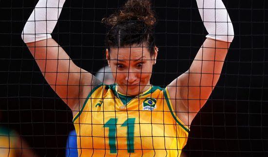 6일(한국시각) 브라질올림픽위원회는 성명을 내고 브라질 여자대표 탄다라(32)가 지난달 7일 브라질배구협회 훈련 센터에서 실시된 도핑 테스트 결과 도핑방지 규정을 위반했다고 발표했다. 사진은 지난 2일 케냐와의 경기 중인 탄다라. /사진=로이터