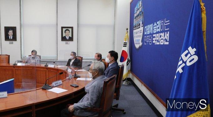 [머니S포토] 상임고문단 만난 조언 구한 송영길 대표