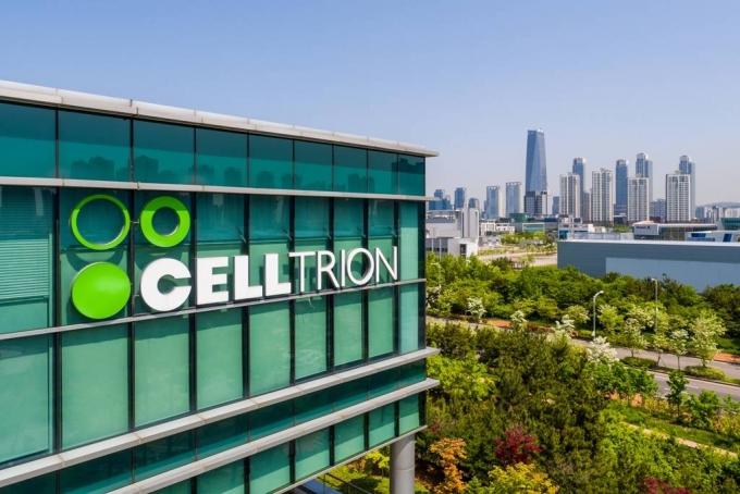 셀트리온은 13일 연결 재무제표 기준으로 올 2분기에 매출 4318억원, 영업이익 1632억원을 기록했다고 밝혔다./사진=셀트리온