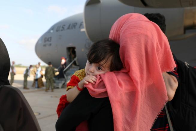 29일 탈레반이 미군의 아프가니스탄 카불 국제공항 출입구 통제권을 인수했다./사진=로이터