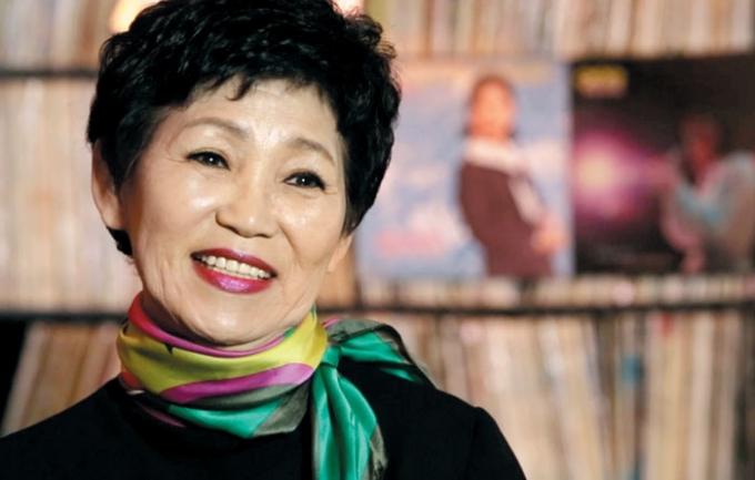 '여고시절' 등 히트곡으로 유명한 가수 이수미가 폐암 투병 중 세상을 떠났다. /사진=TV조선 제공
