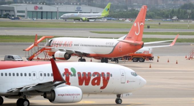 신종 코로나바이러스 감염증(코로나19) 여파가 이어지면서 항공업계에 실적 양극화가 심화되고 있다. /사진=뉴스1