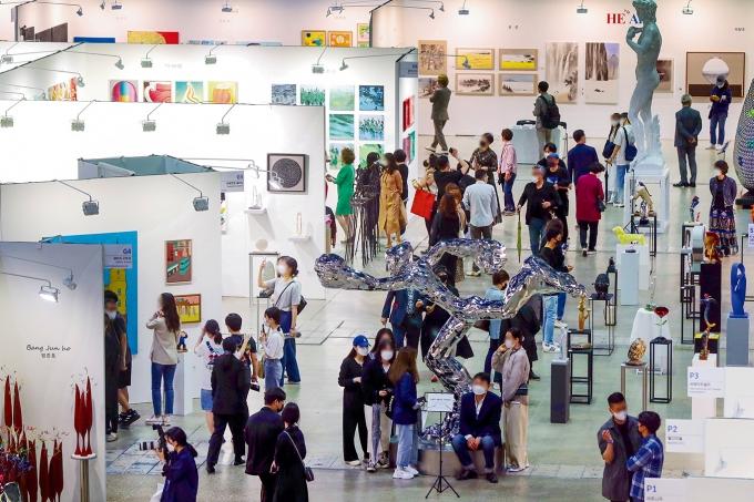 부르는 게 값?… 미술품 가격 산정, 정부가 나섰다