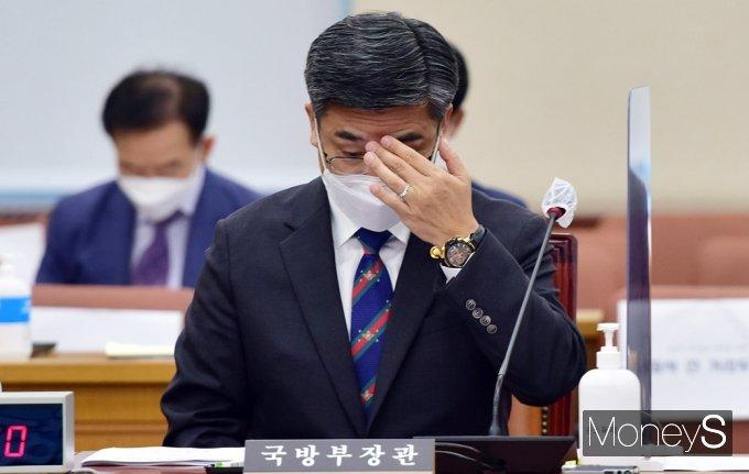 [머니S포토] 국회 국방위, 北 미사일 도발·軍 인권·성추행 등 고심 많은 서욱 장관