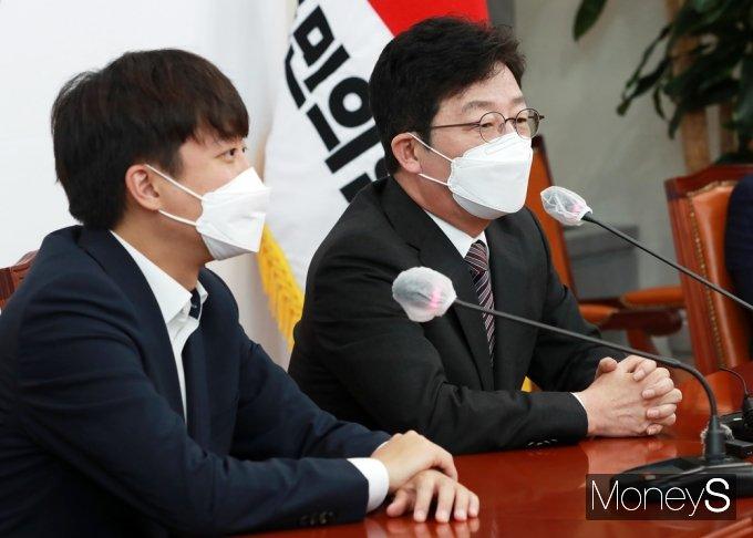 """[머니S포토] 유승민 """"20대 대선은 중도·수도권·청년 표심이 결정할 듯"""""""