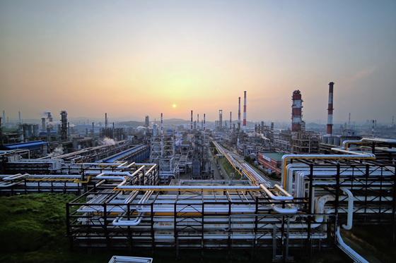 정유·석유화학업계 쉴 틈없다… 한가위에도 풀가동